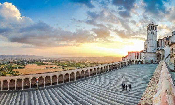 Missionszentrale_Franziskaner_Assisi_Basilika-San-Francesco