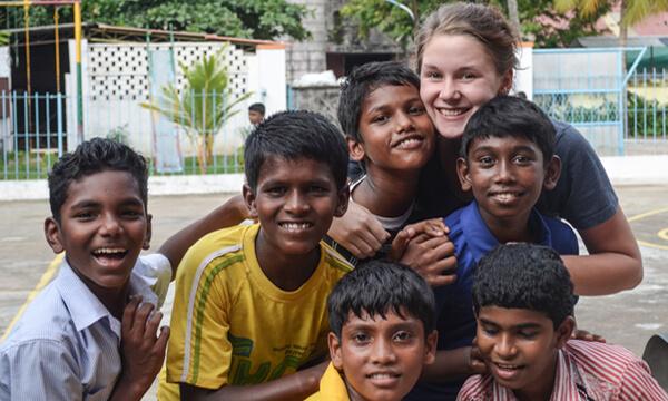 mzf_freiwilligenjahr_weltweit_hilfe_klein