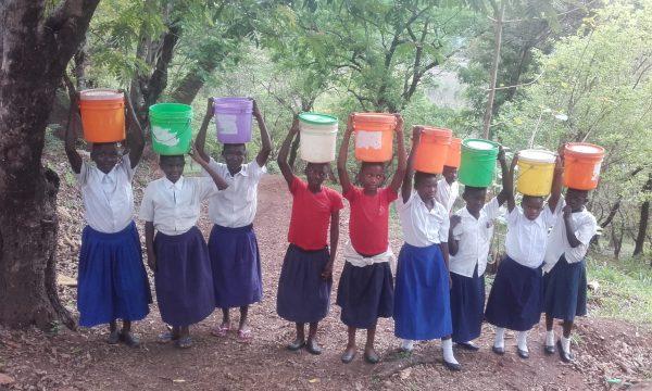 Trinkwasser für die Kinder