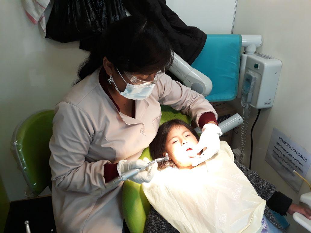 Zahnuntersuchung mobile Klinik MZF