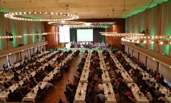 """50 Jahre MZF – Jubiläumsfeier mit über 500 Gästen """"beflügelt neu für die Zukunft"""""""