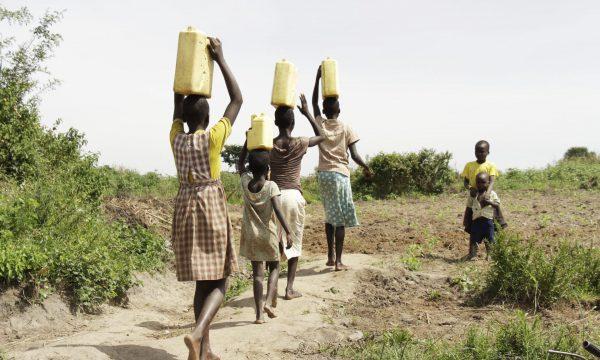 5km Fussmarsch für sauberes Trinkwasser