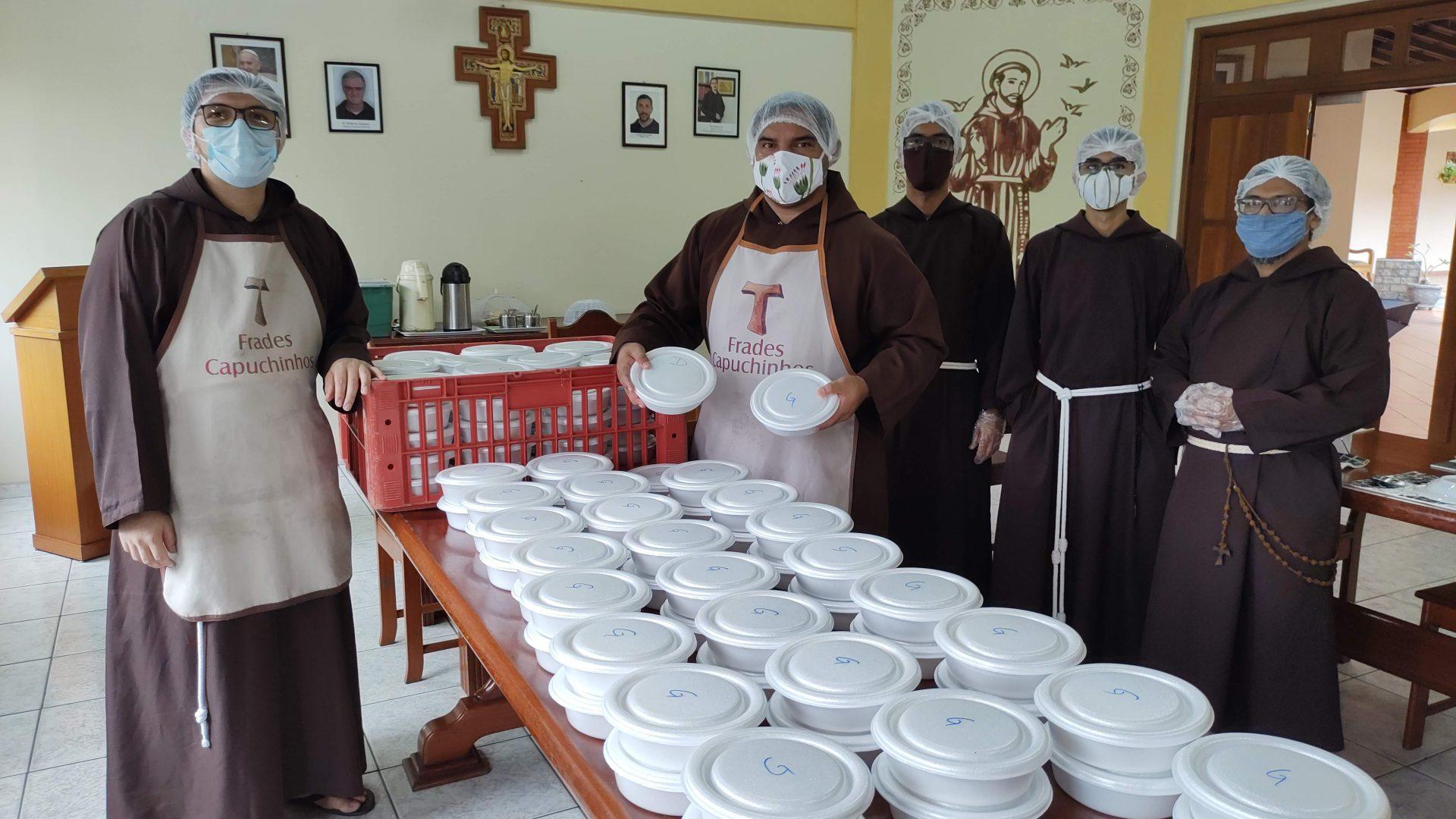 Freis jovens doações pandemia Manaus fotos Dimitri 2021 (16)