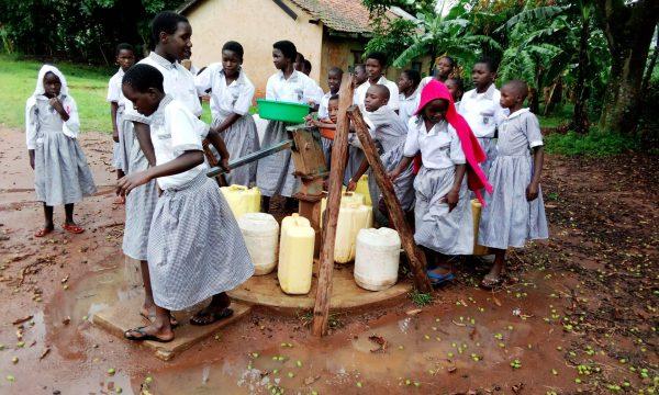 Ein Brunnen für Okolonga