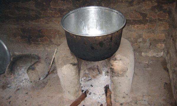 Töpfe und Teller bleiben leer